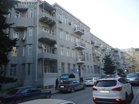 5 otaqlı köhnə tikili - İçəri Şəhər m. - 110 m²