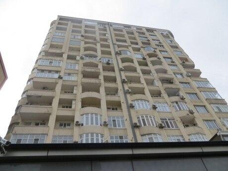 4 otaqlı yeni tikili - Elmlər Akademiyası m. - 136 m²