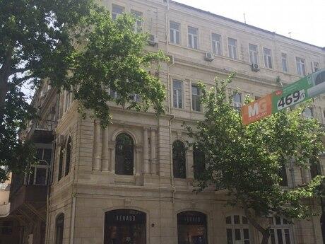 6 otaqlı köhnə tikili - İçəri Şəhər m. - 315 m²