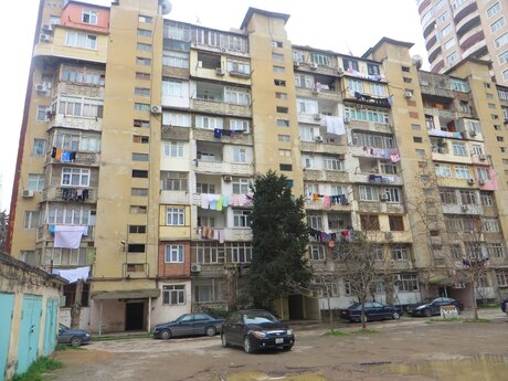 1 otaqlı köhnə tikili - Bakıxanov q. - 30 m²