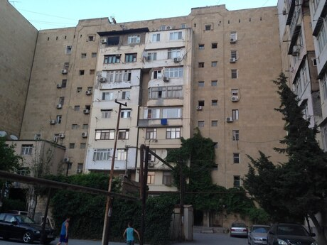 3 otaqlı köhnə tikili - Elmlər Akademiyası m. - 75 m²