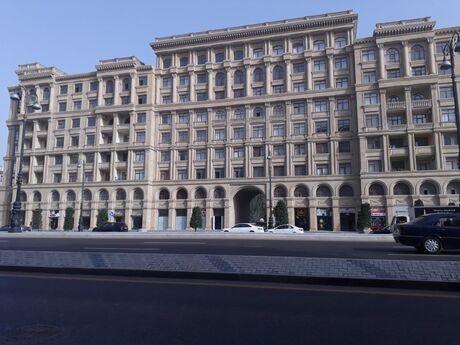 3-комн. новостройка - м. Нариман Нариманова - 106 м²