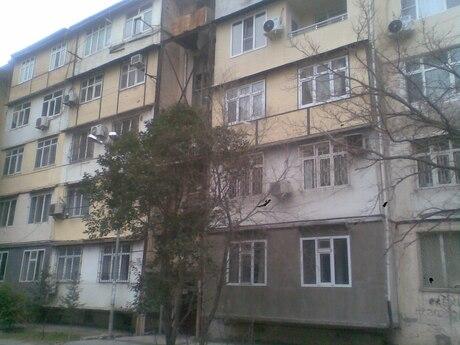 5-комн. вторичка - м. Проспект Азадлыг - 120 м²