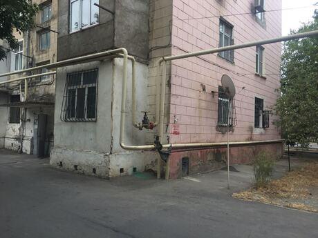 1 otaqlı köhnə tikili - Neftçilər m. - 50 m²