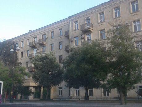 4 otaqlı köhnə tikili - Yasamal r. - 110 m²