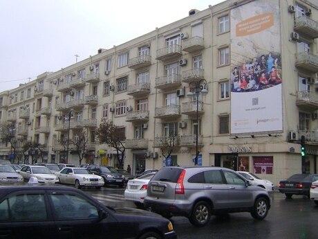 4 otaqlı köhnə tikili - Nəsimi r. - 110 m²