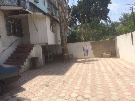 3 otaqlı köhnə tikili - Bakıxanov q. - 70 m²