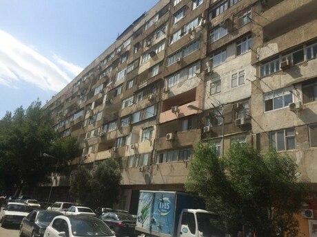 4 otaqlı köhnə tikili - Elmlər Akademiyası m. - 111 m²