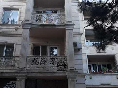 3 otaqlı köhnə tikili - Yasamal r. - 70 m²