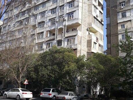 3 otaqlı köhnə tikili - Azadlıq Prospekti m. - 90 m²