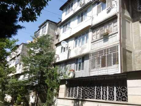 2 otaqlı köhnə tikili - İnşaatçılar m. - 45 m²