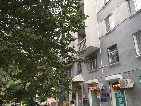 2 otaqlı köhnə tikili - Nəsimi r. - 58 m²