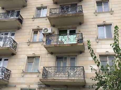 1 otaqlı köhnə tikili - Şah İsmayıl Xətai m. - 34 m²