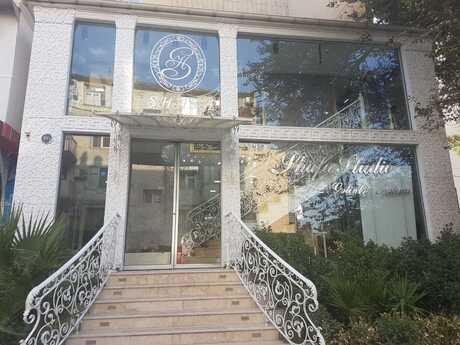 Объект - м. Эльмляр Академиясы - 245 м²