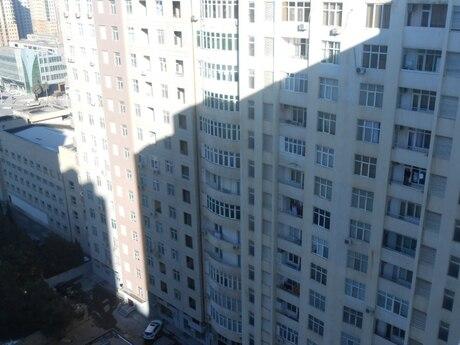1 otaqlı yeni tikili - İnşaatçılar m. - 35 m²