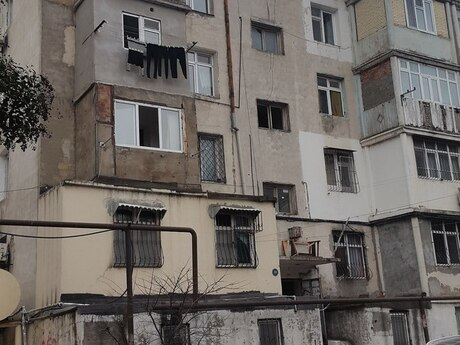 2 otaqlı köhnə tikili - İnşaatçılar m. - 40 m²
