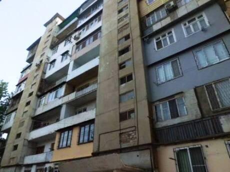 2 otaqlı köhnə tikili - Həzi Aslanov q. - 60 m²