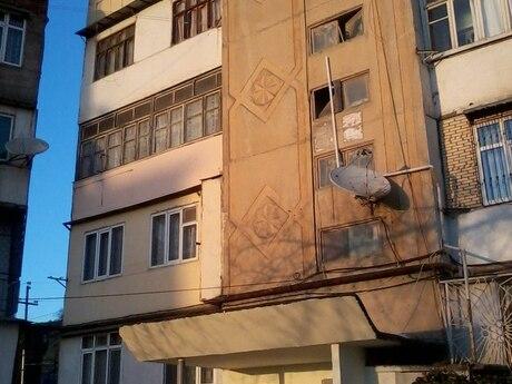 1 otaqlı köhnə tikili - Xətai r. - 20 m²