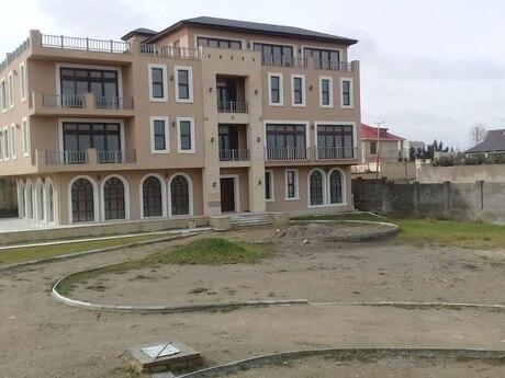 8 otaqlı ev / villa - Novxanı q. - 1500 m²