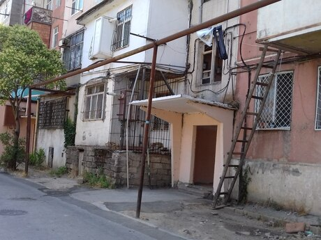 2 otaqlı köhnə tikili - Memar Əcəmi m. - 54 m²