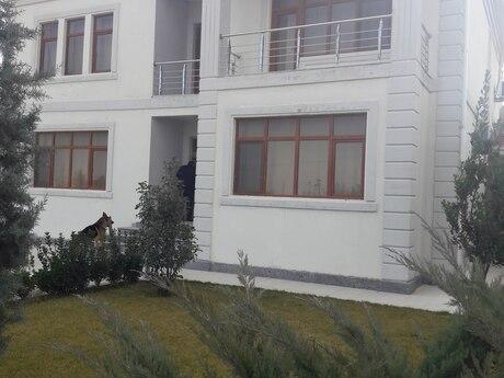 Bağ - Novxanı q. - 390 m²