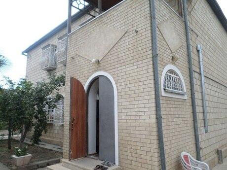 6 otaqlı ev / villa - Qaraçuxur q. - 300 m²