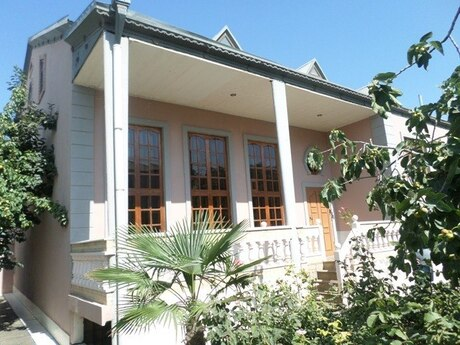 7 otaqlı ev / villa - Xocəsən q. - 350 m²