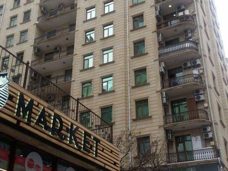 3-комн. новостройка - Ясамальский р. - 165 м²