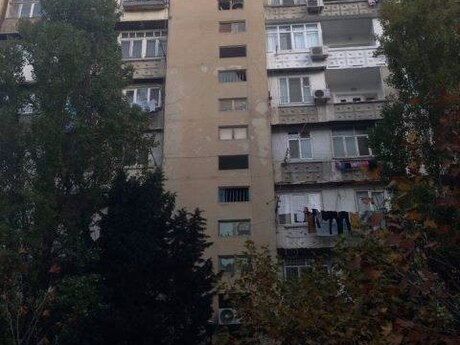 3 otaqlı köhnə tikili - Elmlər Akademiyası m. - 100 m²