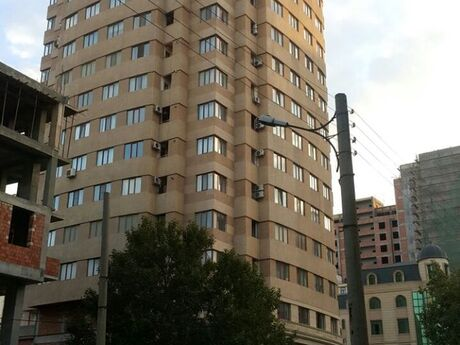 2-комн. новостройка - Насиминский  р. - 77 м²