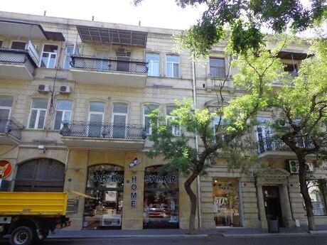 2 otaqlı köhnə tikili - Sahil m. - 66 m²