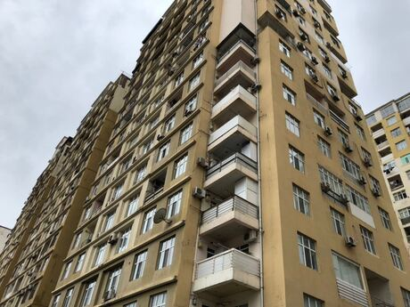 3-комн. новостройка - м. Ази Асланова - 148 м²
