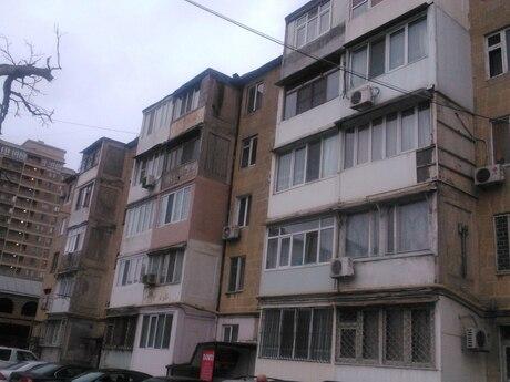 3-комн. вторичка - м. Нефтчиляр - 52 м²