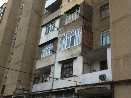 3 otaqlı köhnə tikili - Bakıxanov q. - 65 m²
