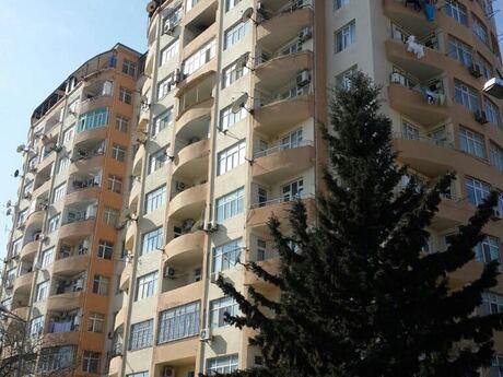3-комн. новостройка - м. Нефтчиляр - 147 м²