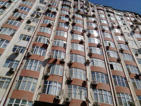 4-комн. новостройка - Ясамальский р. - 170 м²