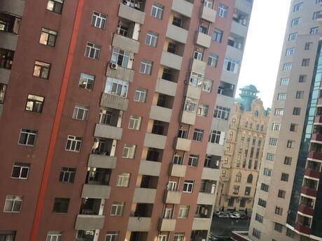 3-комн. новостройка - Насиминский  р. - 900 м²