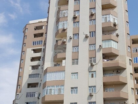 2-комн. новостройка - м. Иншаатчылар - 81 м²