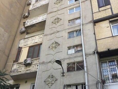 4-комн. вторичка - м. Эльмляр Академиясы - 90 м²