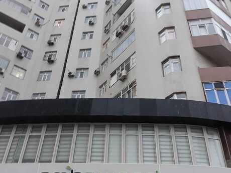 4 otaqlı yeni tikili - İnşaatçılar m. - 178 m²