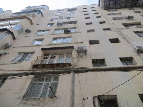 5 otaqlı köhnə tikili - Gənclik m. - 130 m²