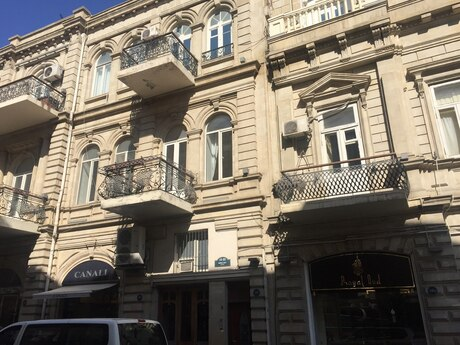 3 otaqlı köhnə tikili - Sahil m. - 55 m²