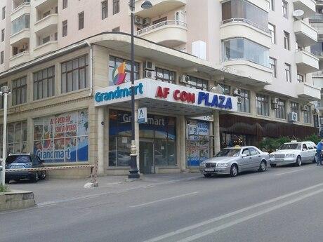 3-комн. новостройка - м. 28 мая - 170 м²