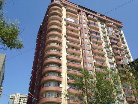 3-комн. новостройка - м. Нариман Нариманова - 137 м²