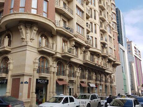 5-комн. новостройка - м. Сахиль - 205 м²