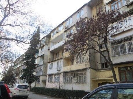 5 otaqlı köhnə tikili - Memar Əcəmi m. - 110 m²