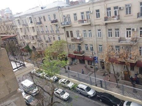 3 otaqlı köhnə tikili - Sahil q. - 70 m²