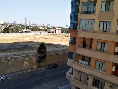 3-комн. новостройка - пос. 7-ой мкр - 135 м²