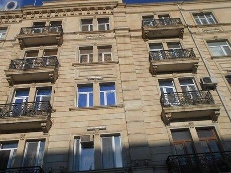 4 otaqlı köhnə tikili - Nəriman Nərimanov m. - 102 m²