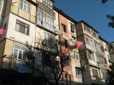 3 otaqlı köhnə tikili - Memar Əcəmi m. - 65 m²
